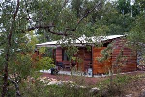 Deluxe Rustic Cabin 2